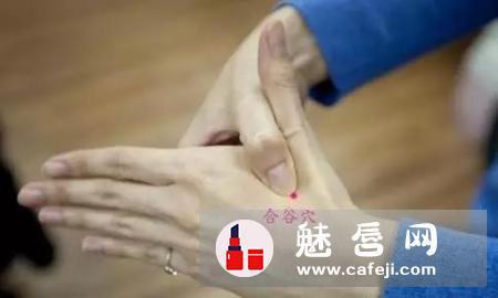 打篮球手腕扭伤怎么办 小腿抽筋怎么办